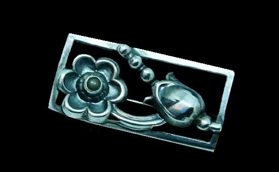 Vintage 830 Sterling silver framed flower brooch. 4.6 cm