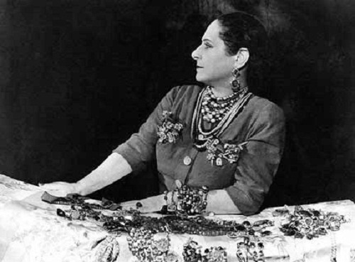 Jewelry lover Helena Rubinstein