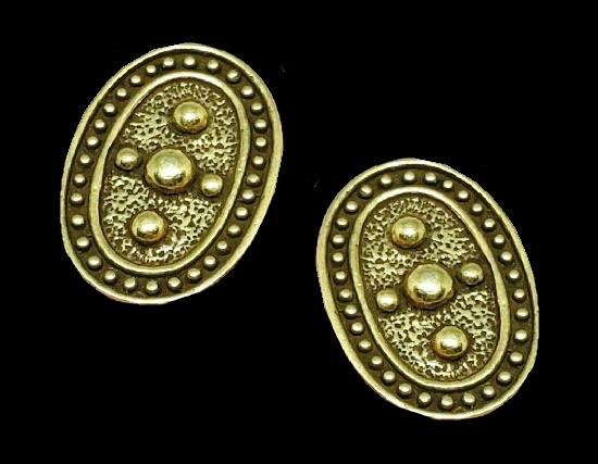 14 K gold oval stud earrings