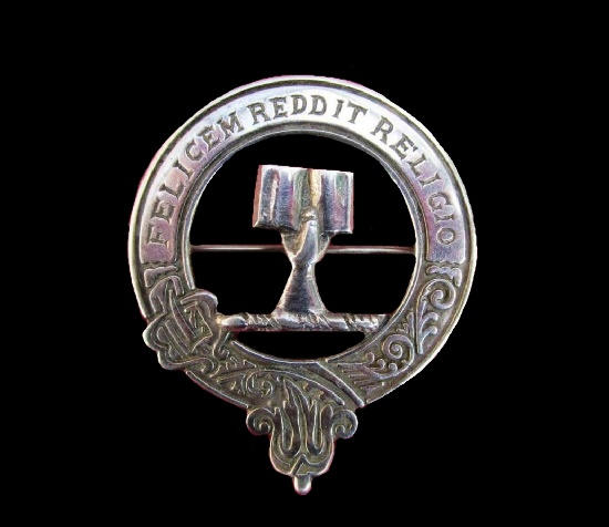 1979 sterling silver clan Angus and Mearns badge brooch. Dexter hand holding an open book and the motto 'Felicem Reddit Religio'