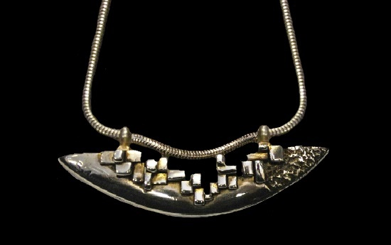 Abstract design sterling silver pendant necklace