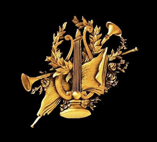 Acanthus leaf wreath, harp and horns brooch of matte gold tone