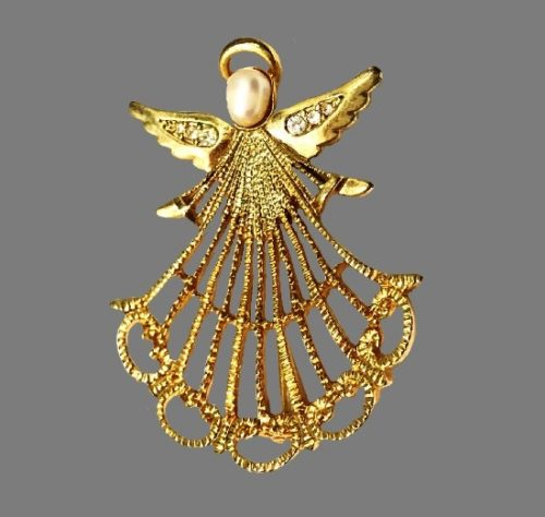Angel brooch pendant. 22 K gold plated, faux pearl, rhinestones. 5 cm. NR for Avon. 1980s