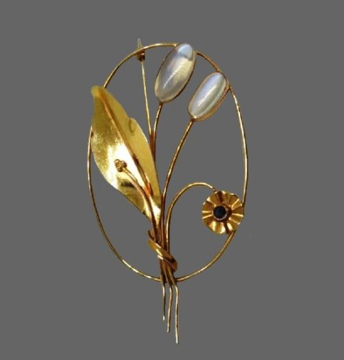Art Nouveau 14k yellow gold natural moonstone and sapphire brooch pin