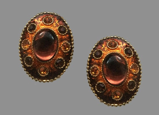 Art glass gold tone oval shaped clip on earrings