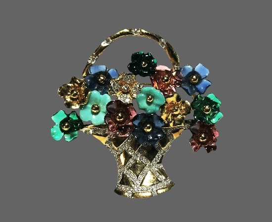 Basket of flowers vintage brooch. Gold tone metal alloy, rhinestones, art glass