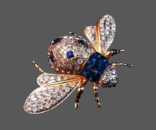 Bee brooch. Gold tone alloy, pave rhinestones, blue art glass. 1970s