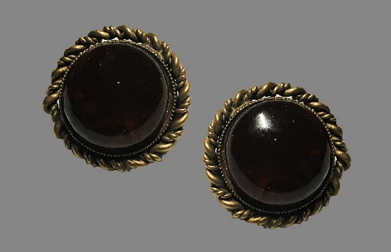 Black glass cabochon round shaped clip on earrings. Brass, murano glass