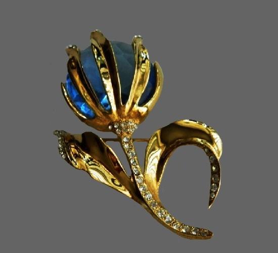Blue flower brooch. Gold tone, rhinestones, art glass