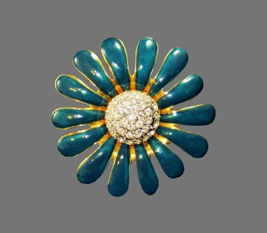 Blue flower vintage brooch. Gold tone alloy, enamel, rhinestones