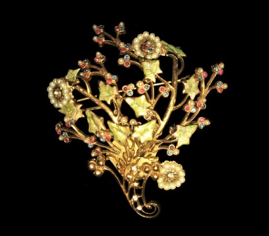 Bouquet of flowers vintage brooch. Gold plated metal alloy, crystals, rhinestones, faux pearl