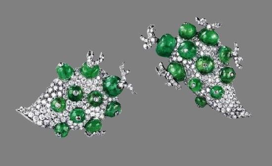 Cactus brooches designed for Linda Porter. Platinum, emeralds, diamonds, 1940
