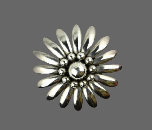 Daisy flower sterling silver vintage brooch