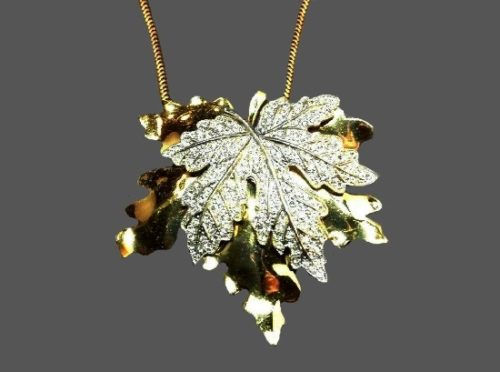 Double leaf gold tone clear rhinestones brooch and necklace