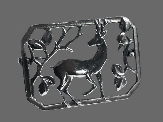 Fabulous openwork sterling silver brooch with deer and branches motif. 3.5 cm. 1963