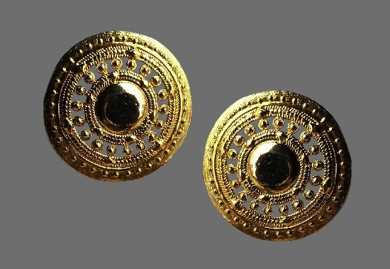 Filigree design gold tone round shaped clip on earrings
