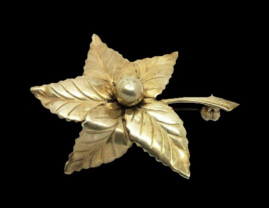 Five leaf design sterling silver brooch