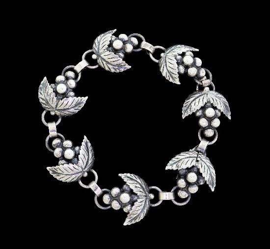 Floral design sterling silver bracelet