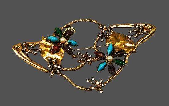 Floral design vintage brooch. Brass, Murano glass, faux pearls, rhinestones. 10 cm. 1970s