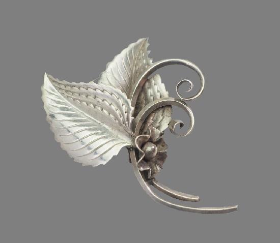 Floral leaf design sterling silver brooch