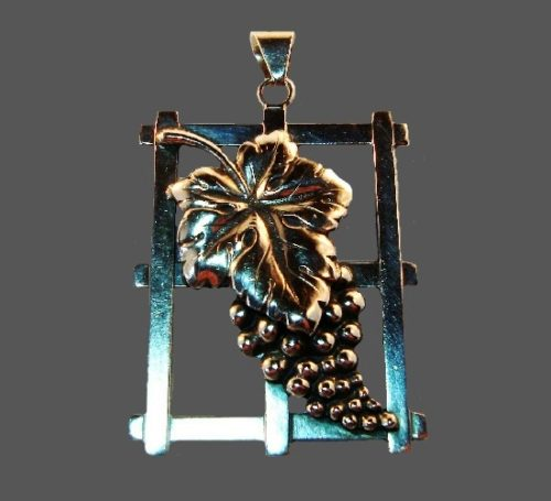 Grape on fence pendant. 4.5 cm. 830 sterling silver