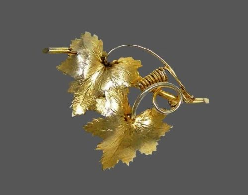 Grapevine pin. 12 K gold filled. 1930s