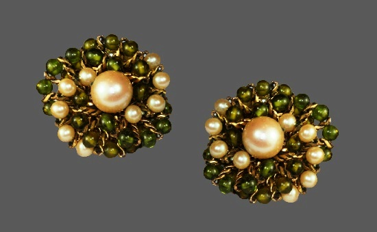 Green Murano glass beads faux pearls round shaped clip on earrings