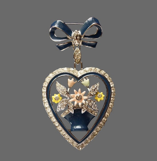 Heart of flowers dangling brooch. 1990s. 7.5 cm. Metal alloy, enamel, art glass, rhinestones