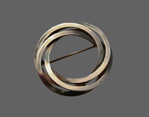 Infinity circle pin. Sterling silver, 1960s