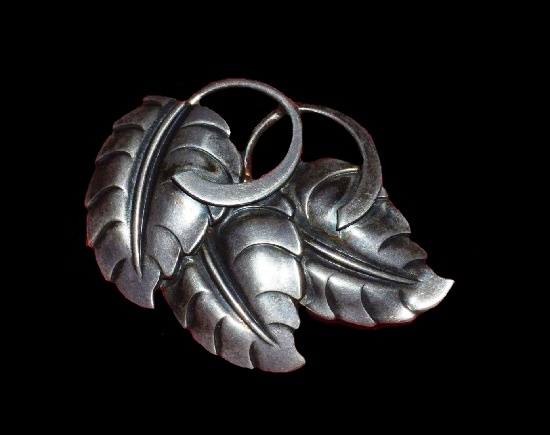 Leaf sterling silver brooch