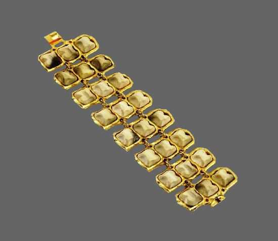 Link bracelet. Gold plated, resin, art glass