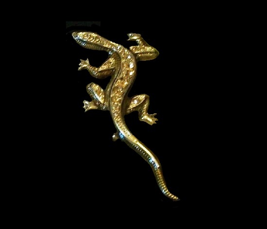 Lizard brooch. Gold tone metal alloy, rhinestones