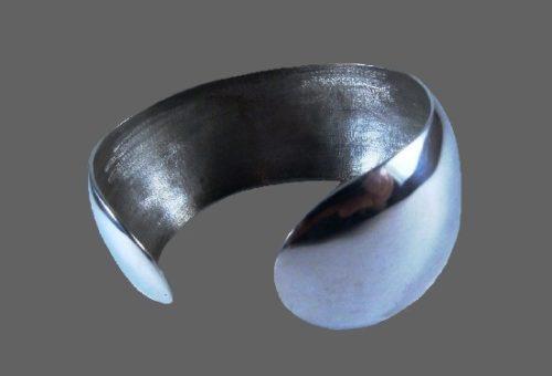 Minimalist design Sterling silver vintage bracelet