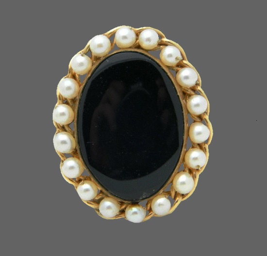 Oval shaped faux pearl onyx 12 K gold filled pin pendant