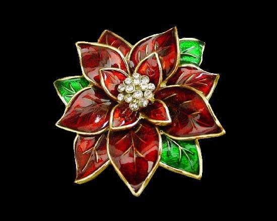 Poinsettia Christmas brooch. Gold tone metal, enamel, rhinestones