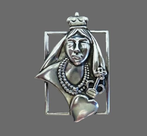 Queen of Hearts Ornate Sterling Silver Pin Brooch
