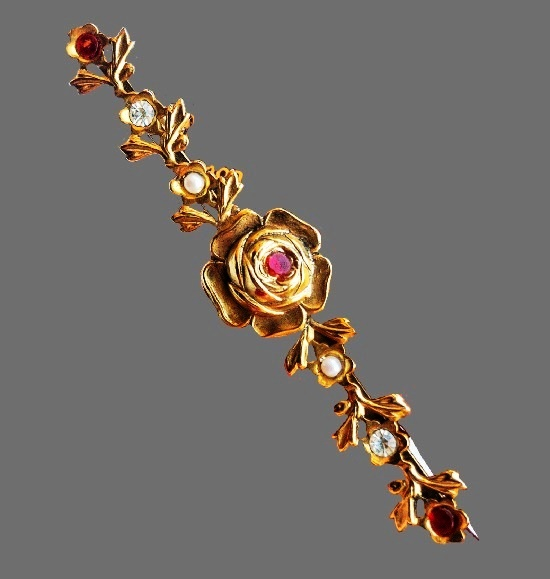 Rose bar brooch. Gold tone, brass, faux pearls. 7.4 cm. 1970s