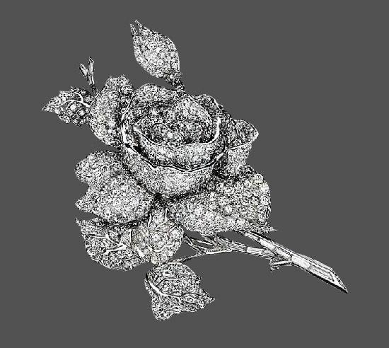 Rose brooch. Platinum, diamonds. 1940s
