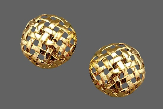 Round shaped gold tone clip on earrings. 1990s