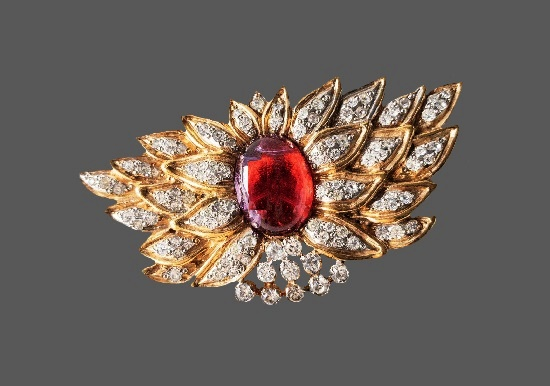 Ruby red flower design pave rhinestones gold tone brooch