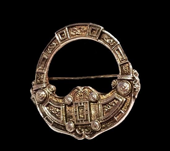 Scottish Silver Celtic Penannular Brooch. 3.4 cm. 1979