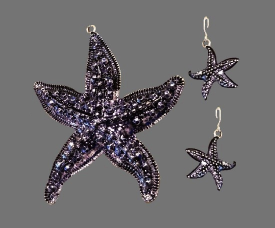 Starfish pendant and earrings. Silver tone alloy, rhinestones