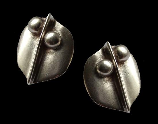 Sterling silver clip on earrings. 4.2 cm. 1980s