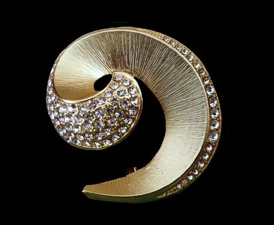 Swirl brooch. Gold tone crystal rhinestone vintage brooch