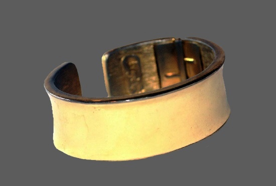 1970's hinged bracelet. metal alloy, enamel