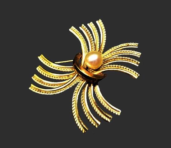 Art Deco 12 K gold filled, cultured pearl brooch