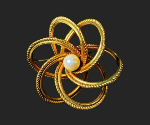 Atom shaped brooch. 12 K gold filled, pearl