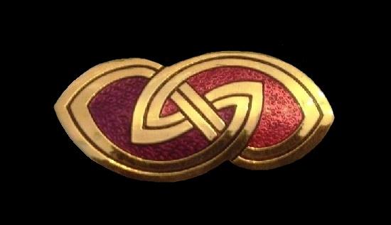 Black and gold celtic design brooch