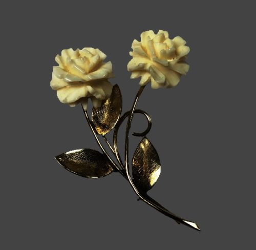 Carved roses 12 K gold filled brooch