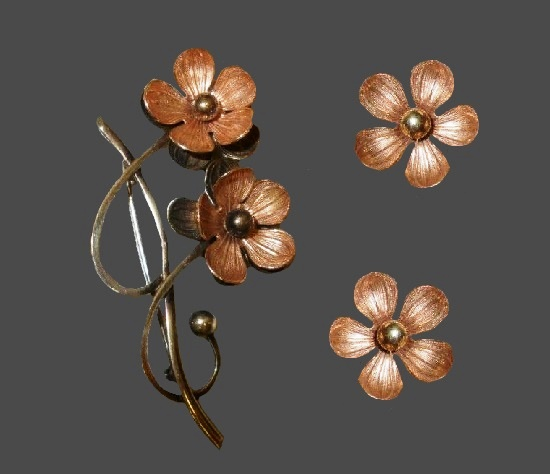 Cherry blossom flower brooch and earrings. 10 K gold plated sterling silver. 1950s